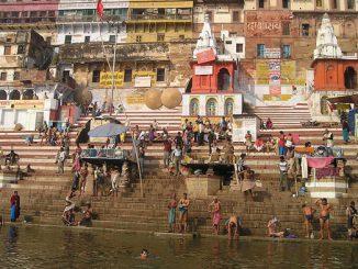 Verschmutztes Wasser in Indien