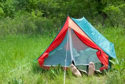 Jedes Zelt sollte mit einem Moskitonetz ausgestattet sein