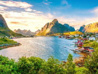 Trekking auf den Lofoten in Norwegen