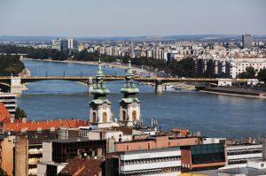 Entlang des Donaubogens trekken