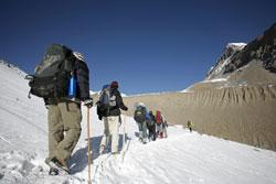 Denken Sie an eine ordentliche Bergsteigerausrüstung!